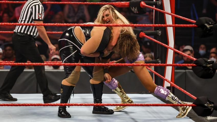 The truth about the match between Nia Jax and Charlotte Flair
