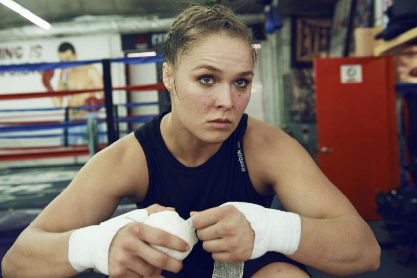 Rousey injures hand at WrestleMania