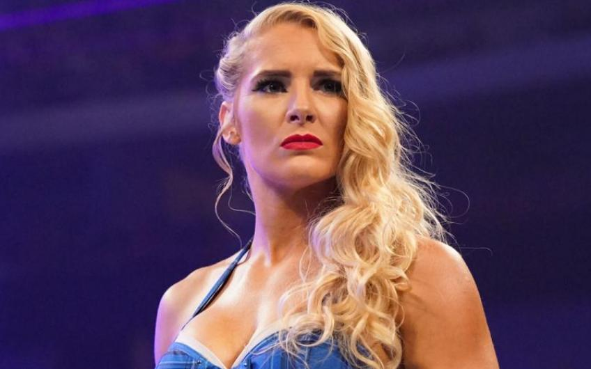Lacey Evans discusses her start in the business