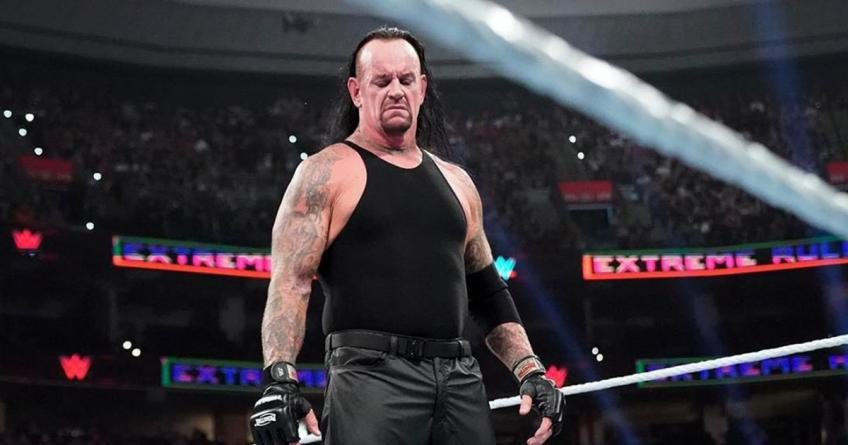 The Undertaker says 'Thank you' to the fans