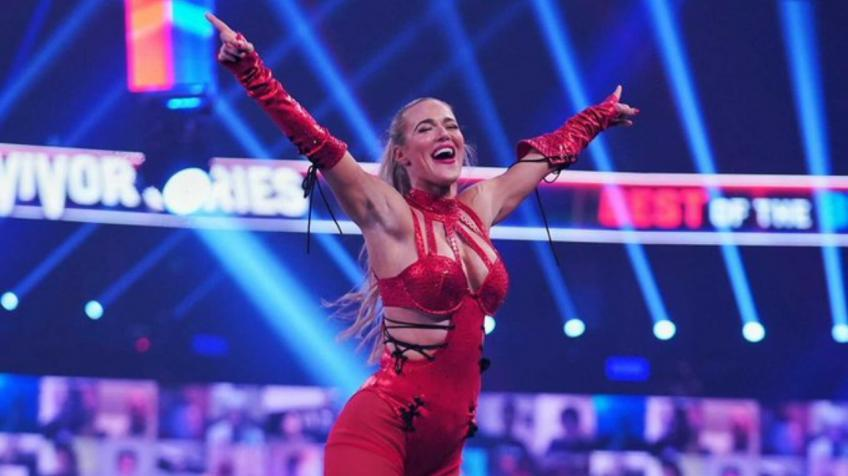 Lana says top superstar is obsessed with her